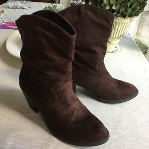 American Eagle brown faux suede slouch boots